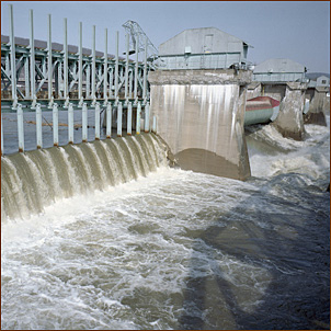 Bellows Falls hydropower dam