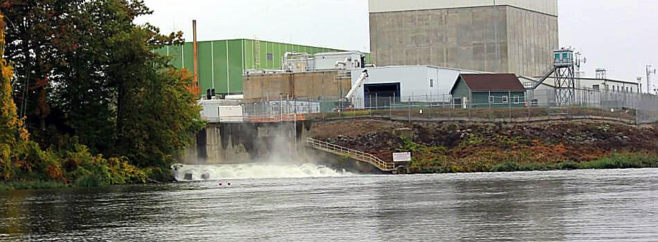 Slider-Vermont-Yankee-steaming-discharge-IMG_00871